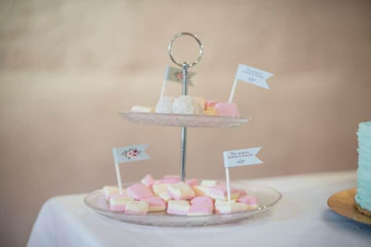 Hochzeitsinspiration: Märchenhochzeit im Schloss (Styled Shooting, Schoss Hofstetten), Candy Bar | marygoesround.de