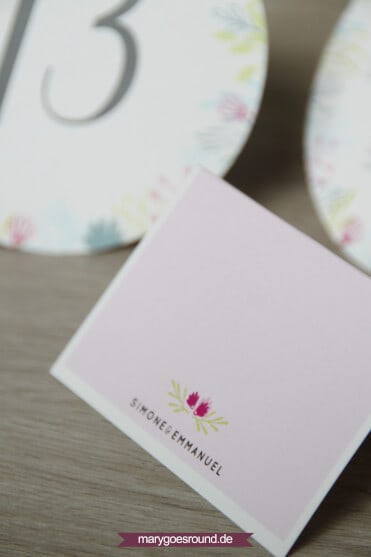 Hochzeitsset Wiesenblumen, zweisprachig (Wunderkerzen, Gastgeschenke, Tischnummern, Wörterbuch, Tischkarten, Platzkarten) | marygoesround.de