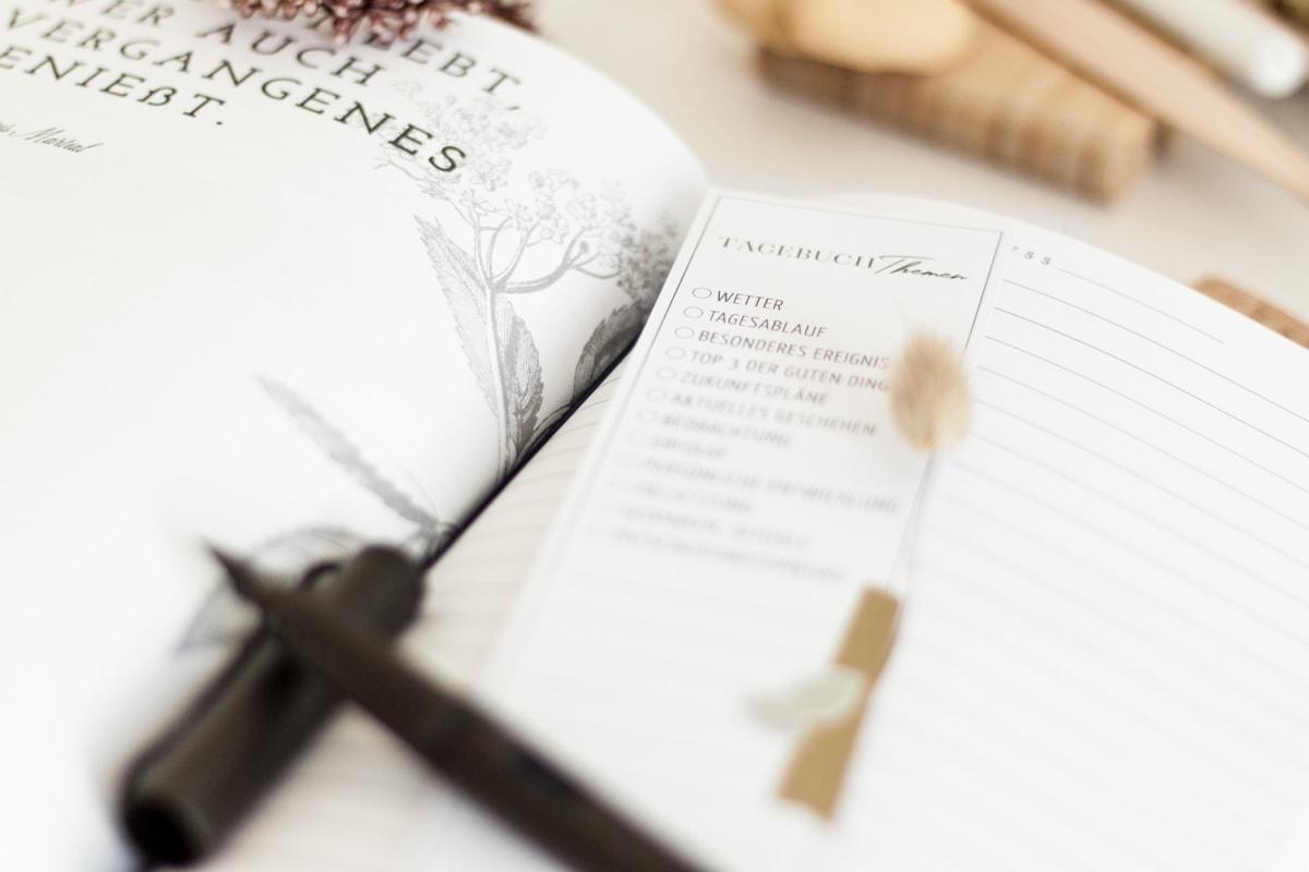 Freebie: Tagebuch-Themen als Lesezeichen zum kotenlosen Download | marygoesround®