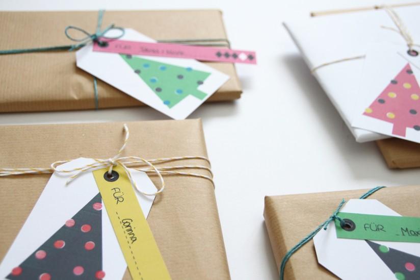 Moderne Geschenkanhänger für Weihnachten in Neonfarben zum selber ausdrucken (kostenlos)