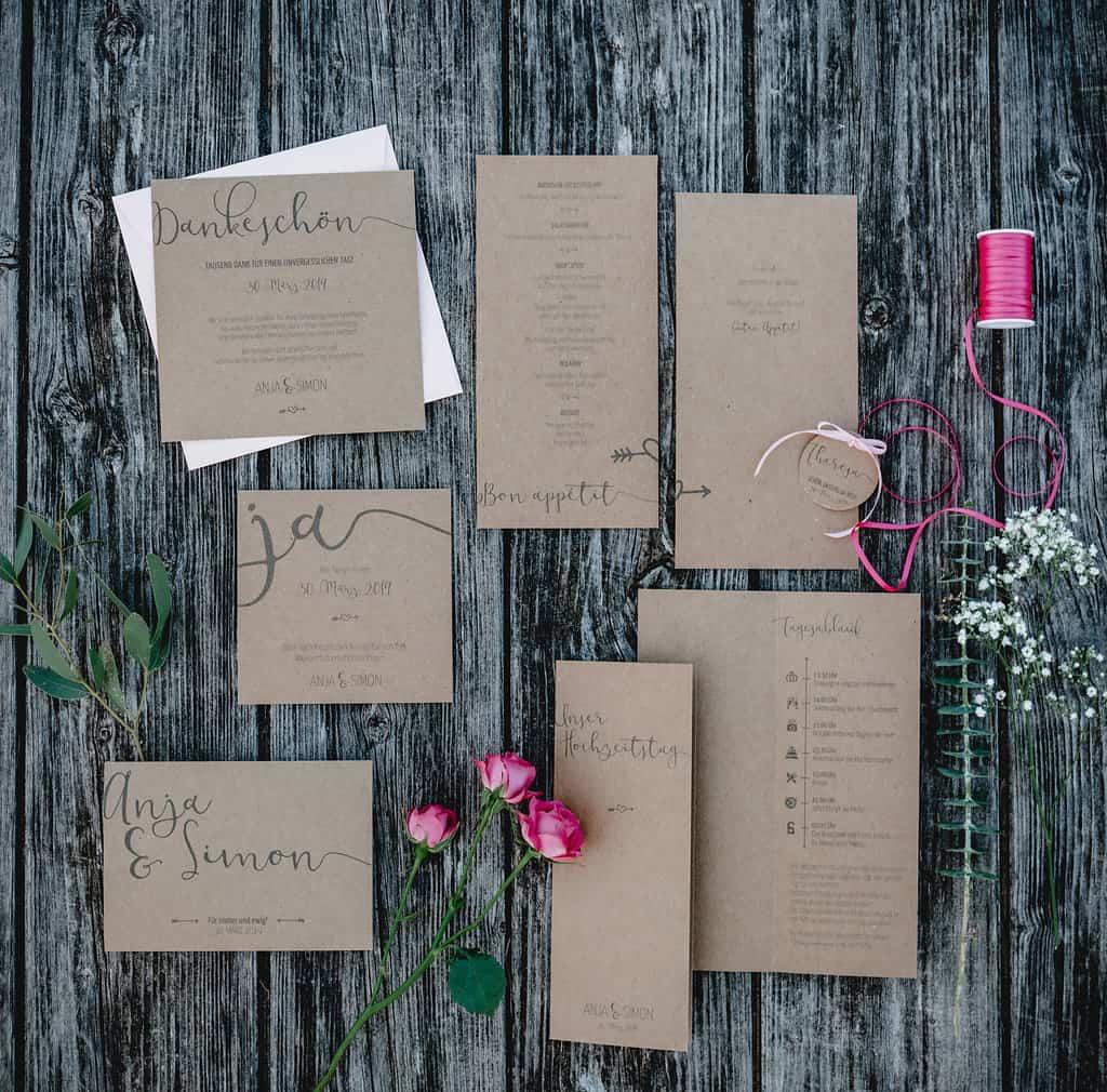 Hochzeitsinspiration Red Velvet, Hochzeitspapeterie auf Kraftpapier | marygoesround.de