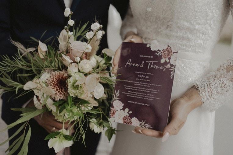 Hochzeitseinladung, gelasert aus Acryl | marygoesround®