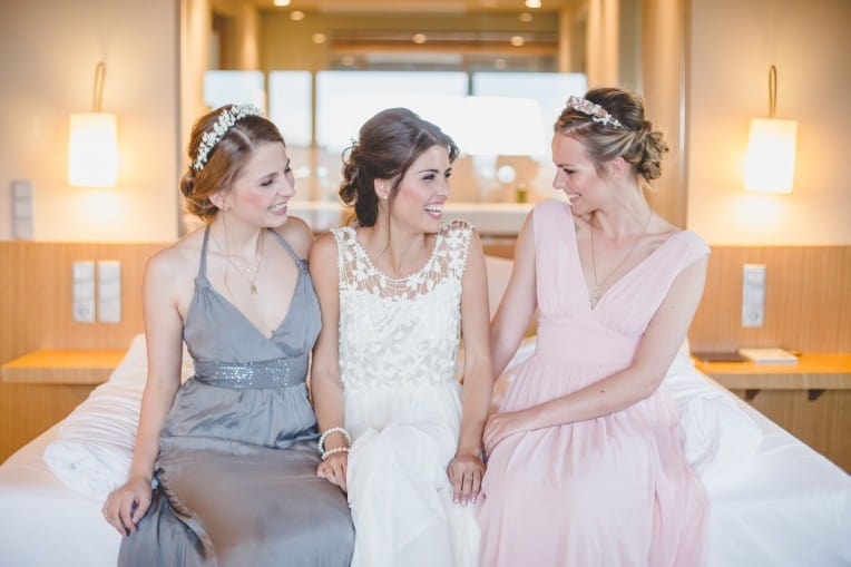 Hochzeitsinspiration: Elegant Olive (Braut und Brautjungfern) | marygoesround.de