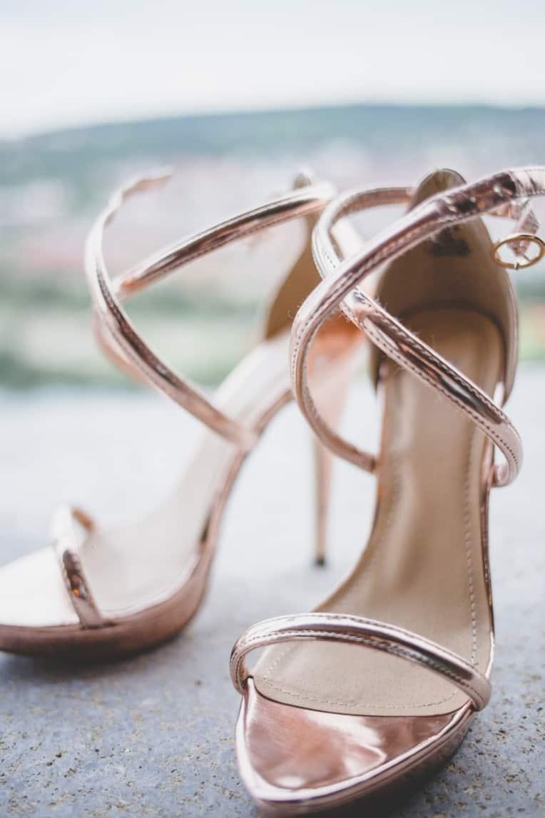 Hochzeitsinspiration: Elegant Olive (Brautschuhe) | marygoesround.de