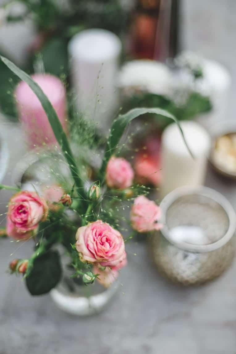 Hochzeitsinspiration: Elegant Olive (Feierlocation, Blumenschmuck) | marygoesround.de