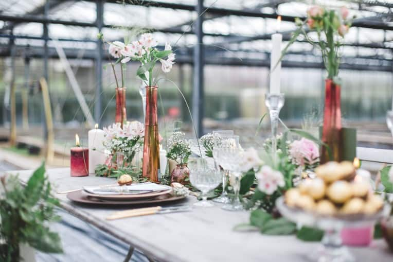 Hochzeitsinspiration: Elegant Olive (Feierlocation, Tischdeko) | marygoesround.de