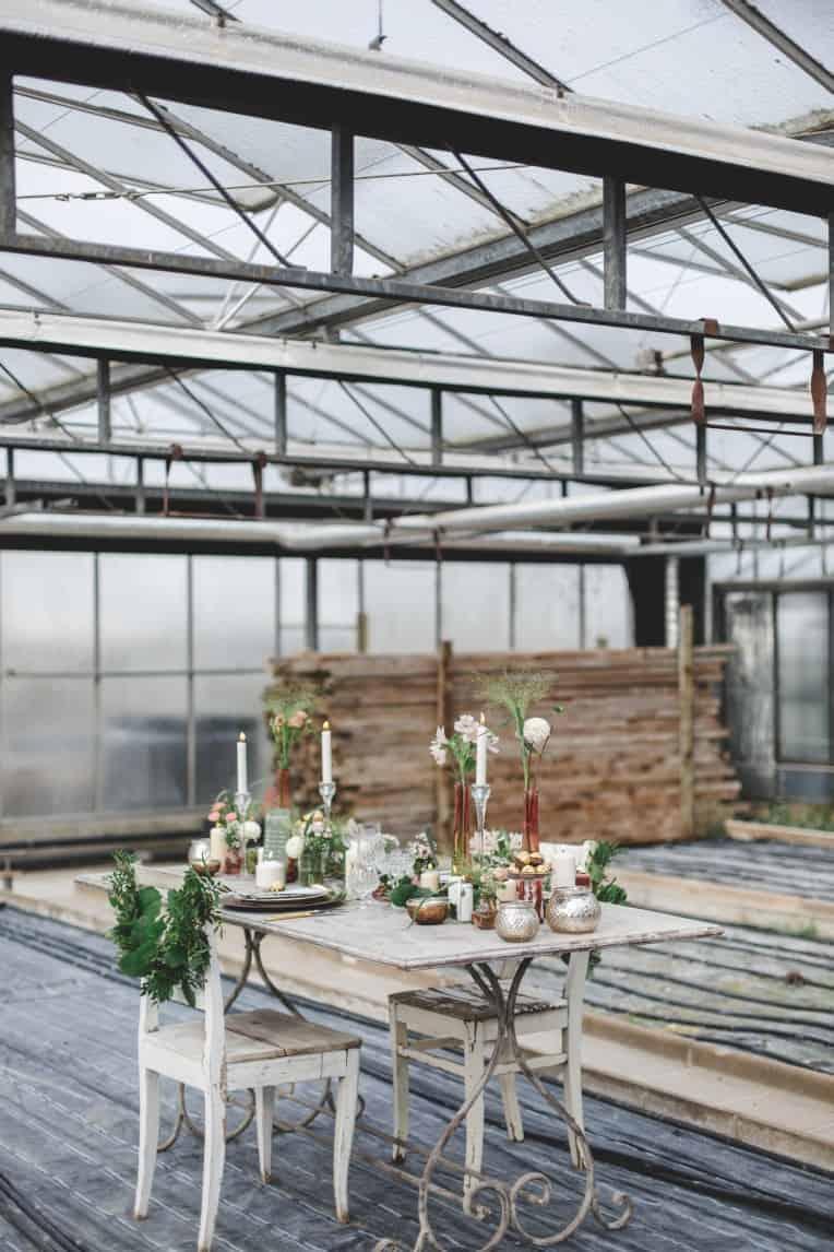 Hochzeitsinspiration: Elegant Olive (Feierlocation, Gewächshaus) | marygoesround.de