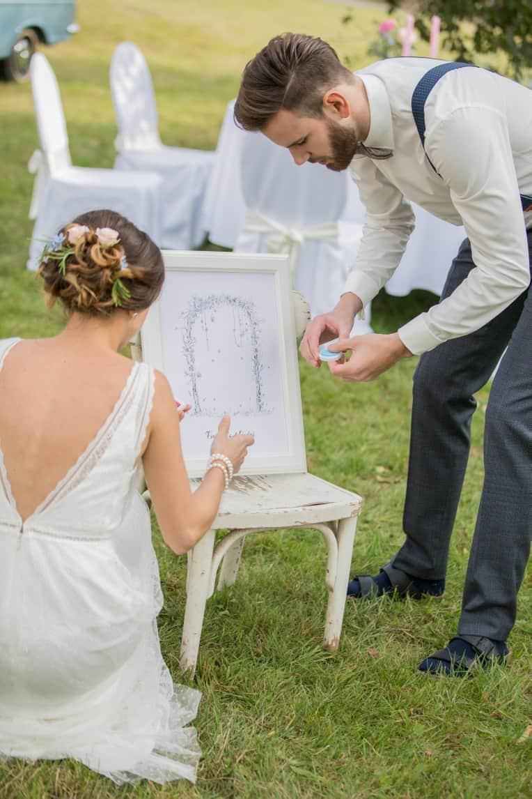 Hochzeitsinspiration: Boho-Backyard-Wedding / romantische Gartenhochzeit, Wedding Tree   marygoesround.de