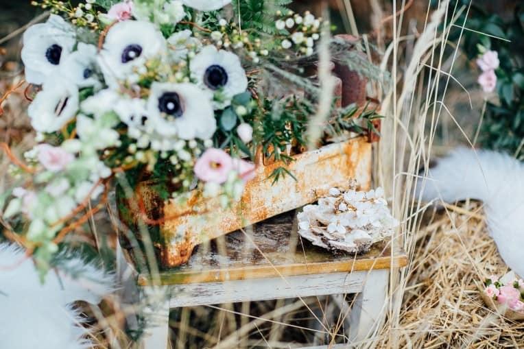 Hochzeitsinspiration: First Love - Märchenhaft heiraten, Brautstrauß und Haarschmuck | marygoesround.de