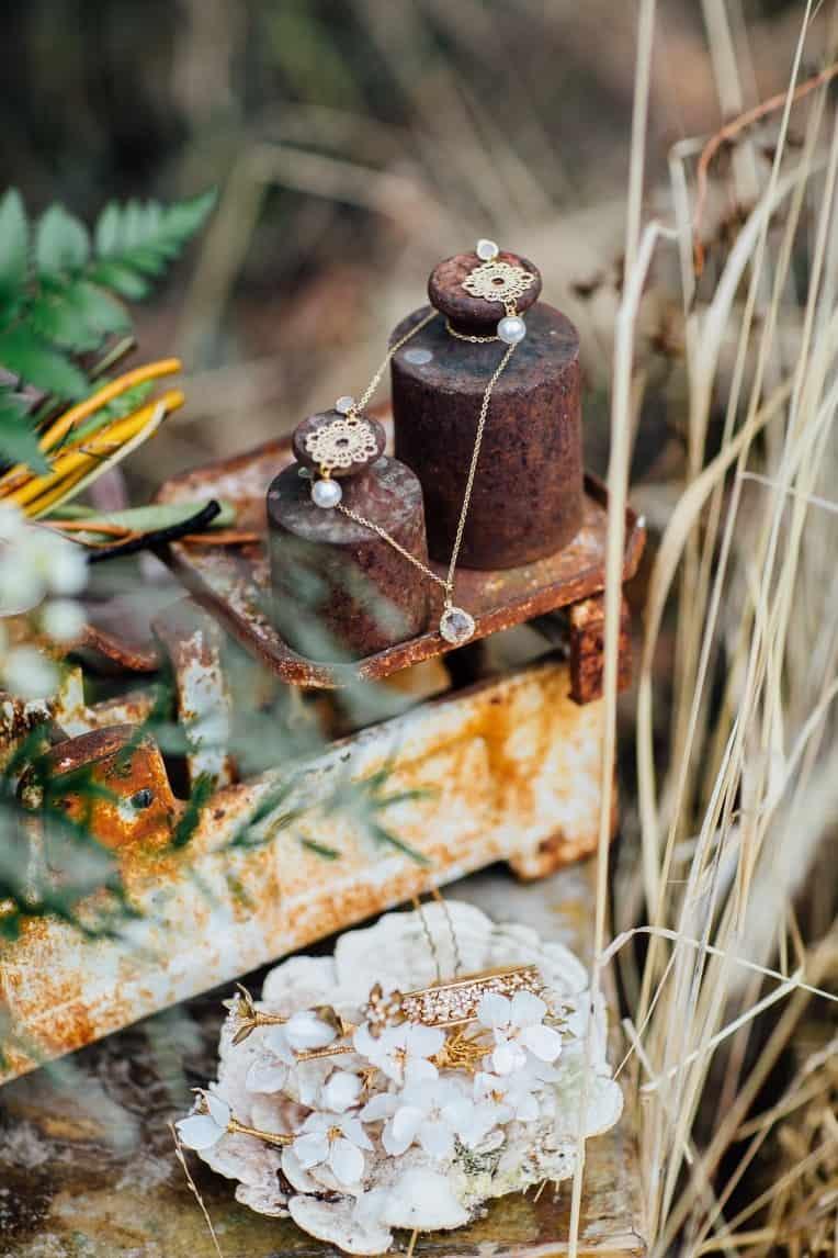 Hochzeitsinspiration: First Love - Märchenhaft heiraten, Brautschmuck - Ohrringe und Kette | marygoesround.de