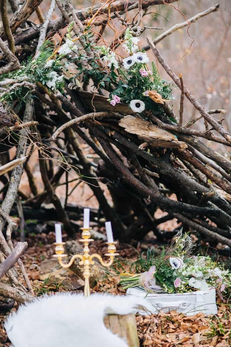 Hochzeitsinspiration: First Love - Märchenhaft heiraten, After-Wedding-Shooting im Wald | marygoesround.de