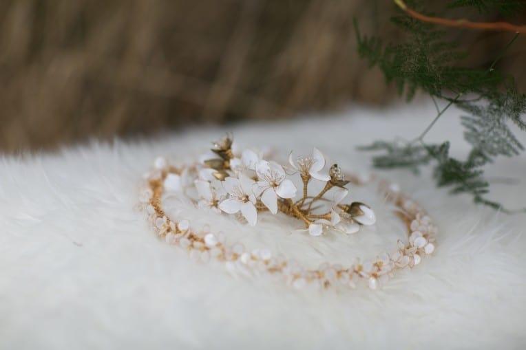 Hochzeitsinspiration: First Love - Märchenhaft heiraten, Brautschmuck und Haarschmuck | marygoesround.de