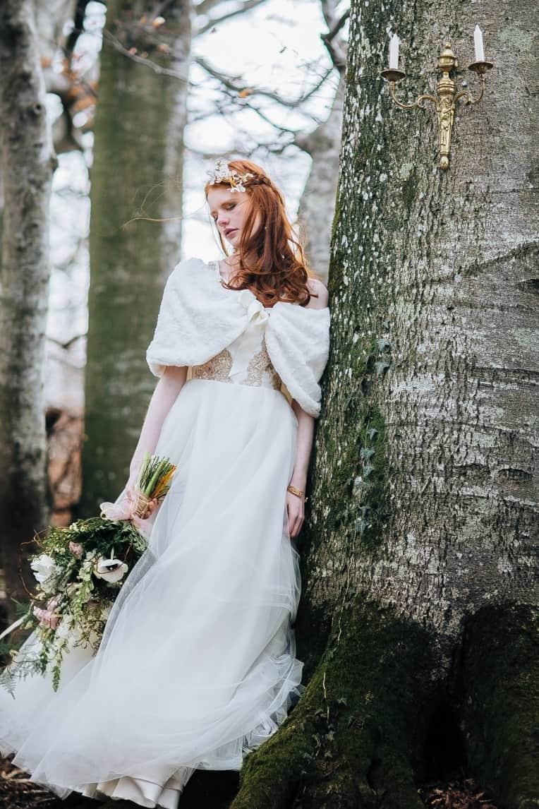 Hochzeitsinspiration: First Love - Märchenhaft heiraten, Brautkleid, Winterhochzeit | marygoesround.de