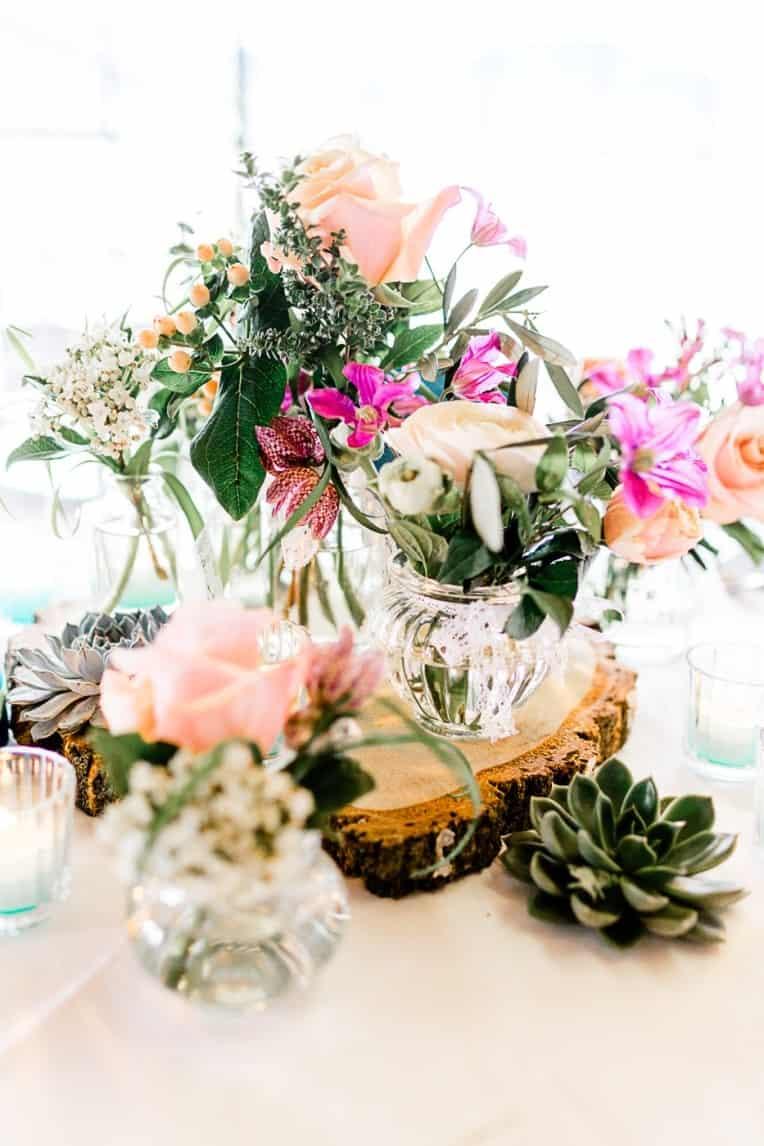 Hochzeitsinspiration: Frühlingserwachen am Tegernsee (Floristik, Tischdeko) | marygoesround.de
