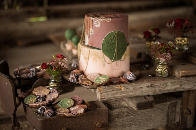 Hochzeitsinspiration: Steampunk, Hochzeitstorte und Sweets Table mit Keksen | marygoesround.de