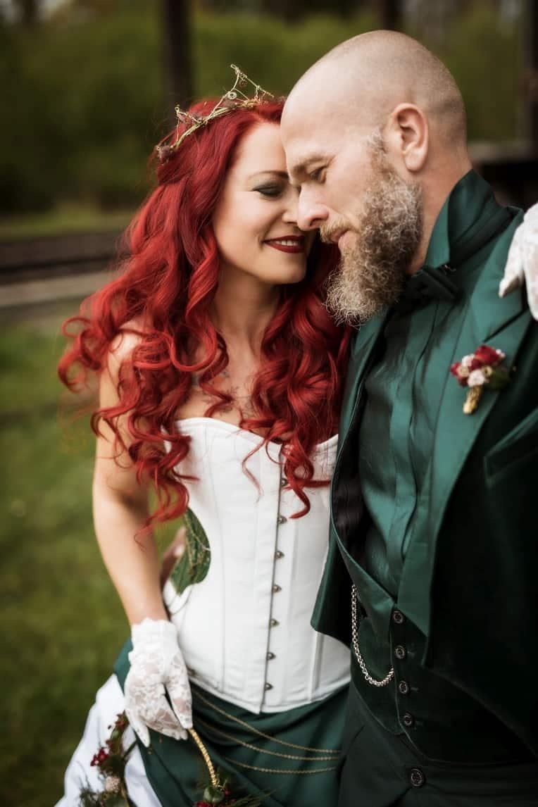 Hochzeitsinspiration: Steampunk, Punkiges Brautpaar | marygoesround.de