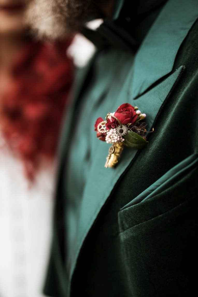 Hochzeitsinspiration: Steampunk, Anstecker für den Bräutigam | marygoesround.de