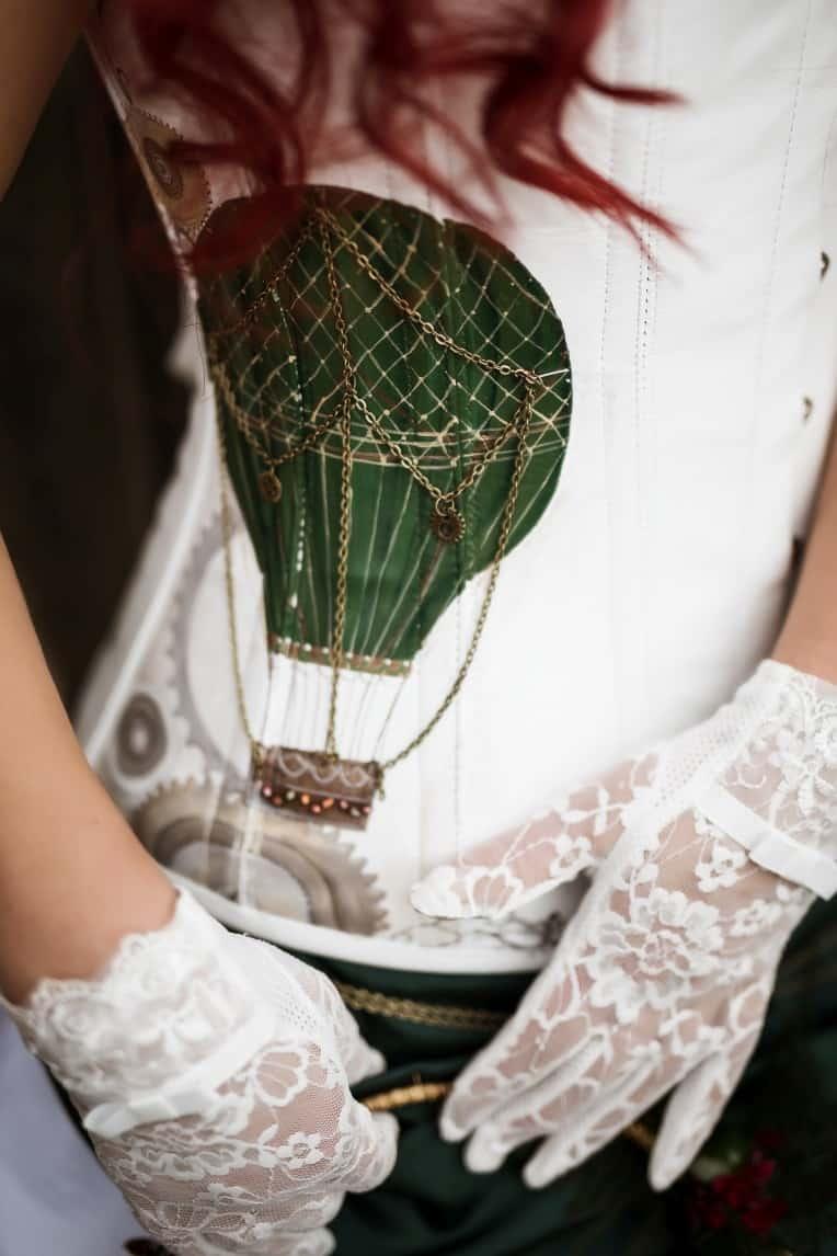Hochzeitsinspiration: Steampunk, Brautkleid mit Korsage | marygoesround.de