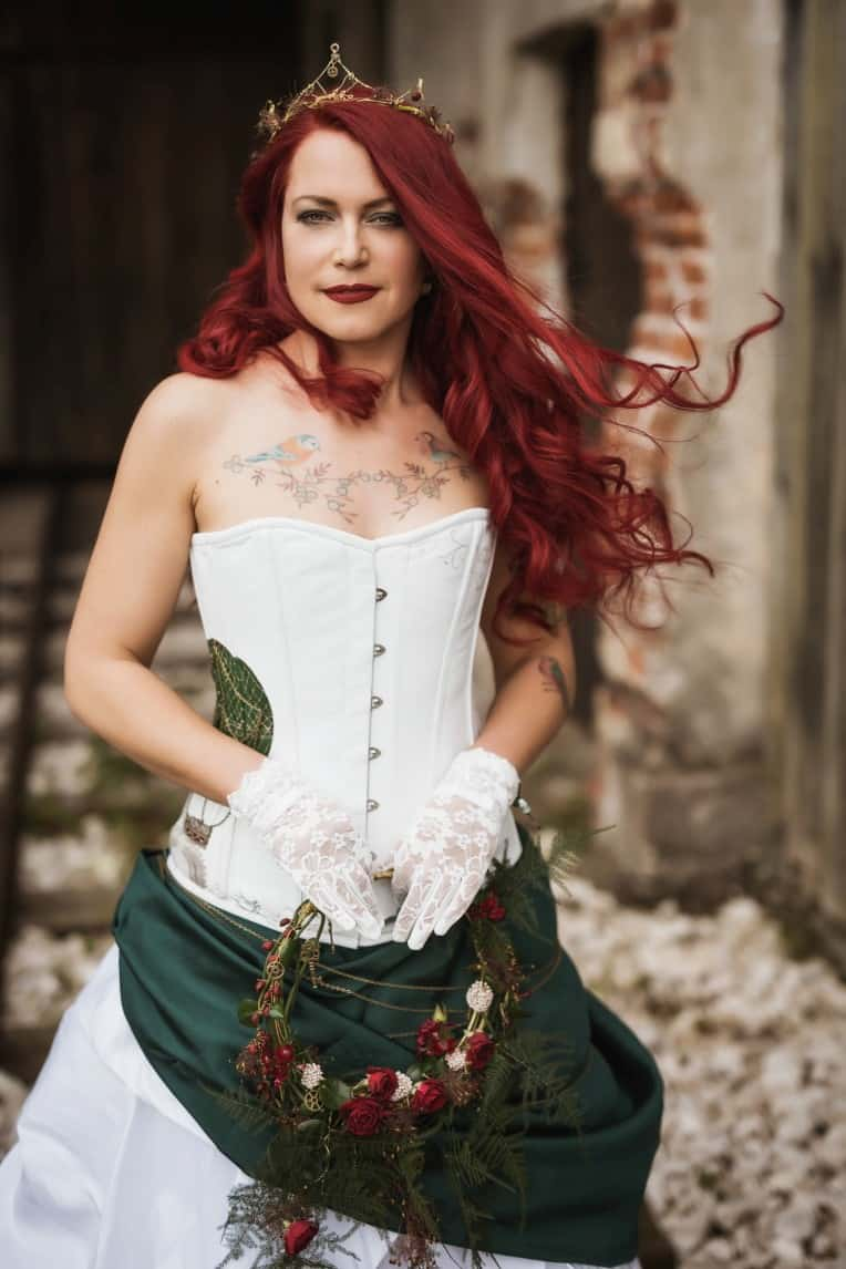 Hochzeitsinspiration: Steampunk, Braut mit Tattoos, Hochzeitscorsage | marygoesround.de