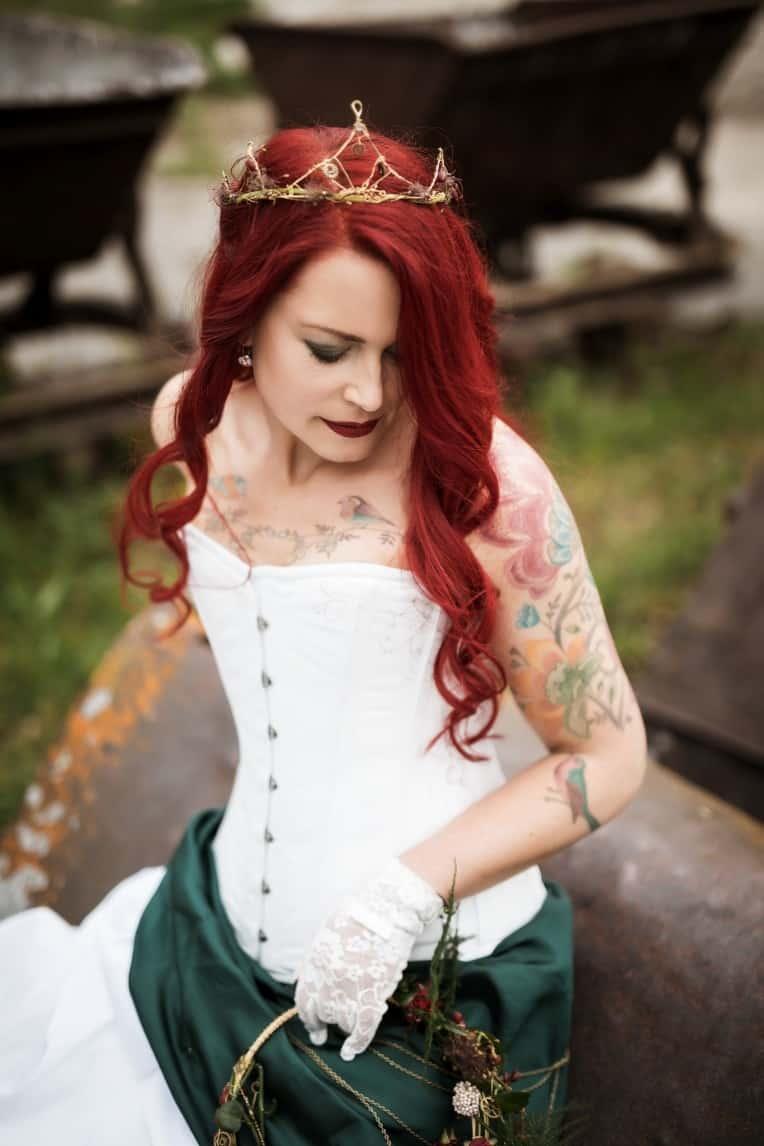 Hochzeitsinspiration: Steampunk, Braut mit Tattoos | marygoesround.de