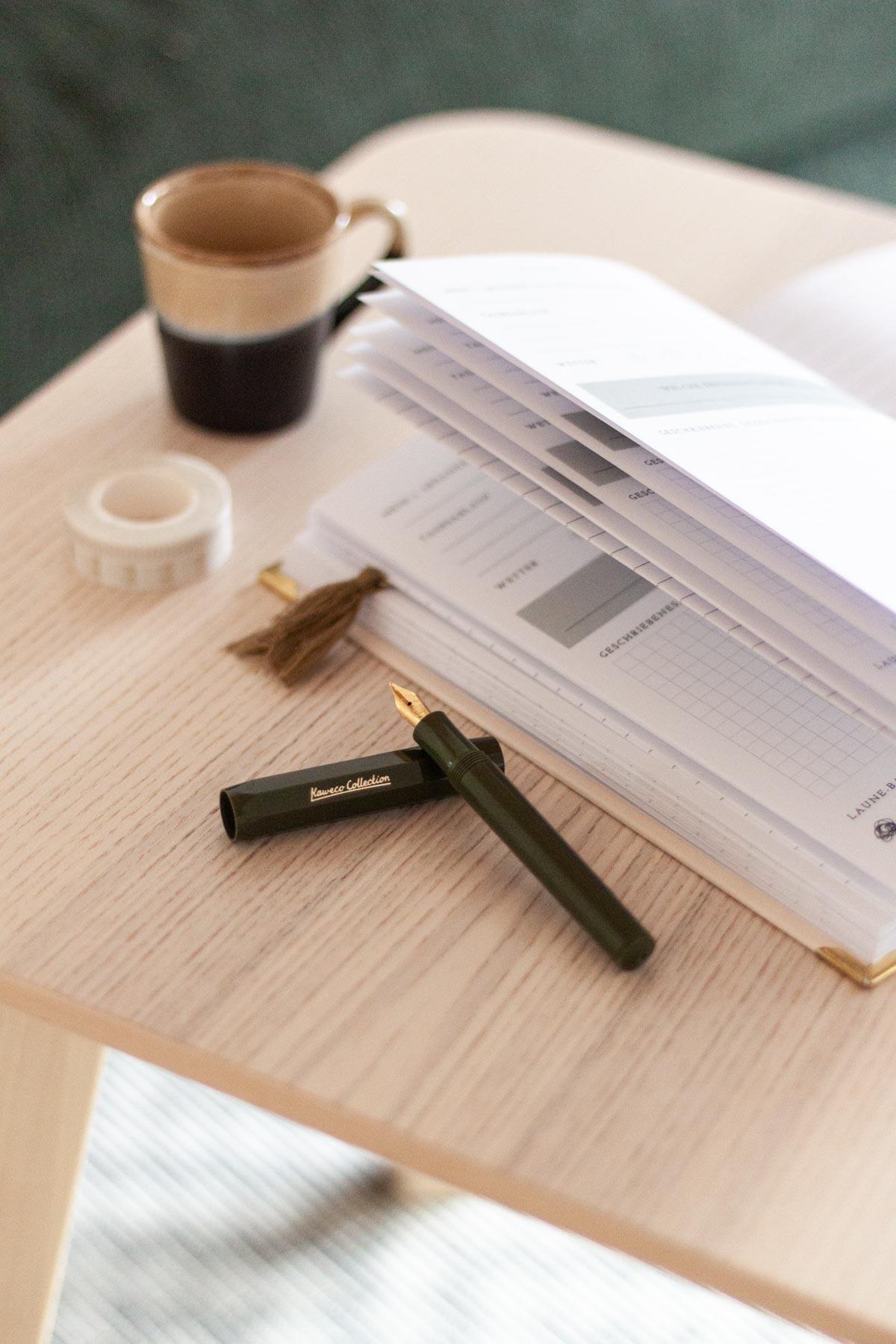 Journaling Weihnachtsgeschenk Set aus Tagebuch und Füller