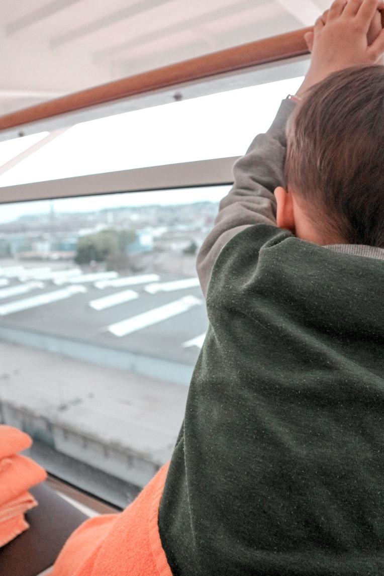 Kreuzfahrt mit Kindern, Planungstipps für den gelungenen Familienurlaub - Balkonkabine | marygoesround®