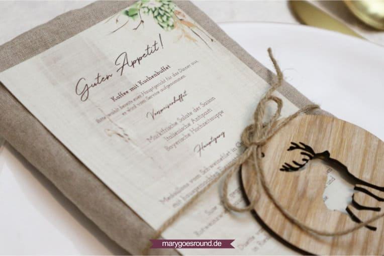 Menükarte für rustikale Hochzeit, bayerisch mit Hopfen