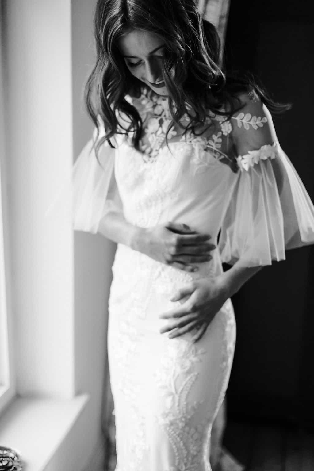 Hochzeitsinspiration: Boho Finesse, Marsala-Gold, Brautkleid mit Ärmeln, Meerjungfrauenschnitt | marygoesround.de