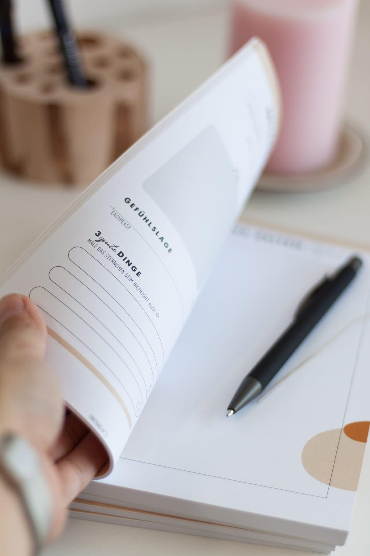 Fokus auf das Positive in der Krise: mit dem INTENSIVE ZEITEN Tagebuch