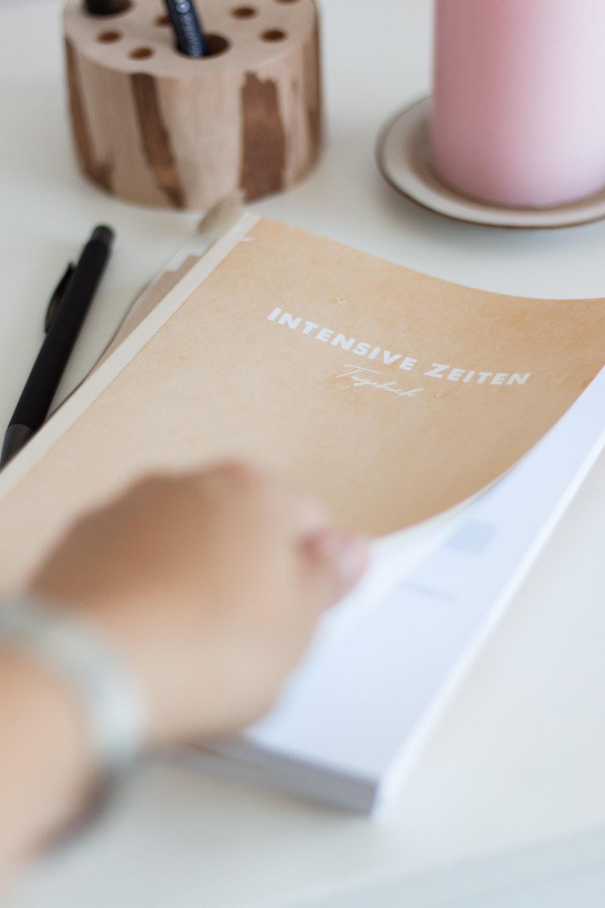 Schreiben in der Krise: das INTENSIVE ZEITEN Tagebuch