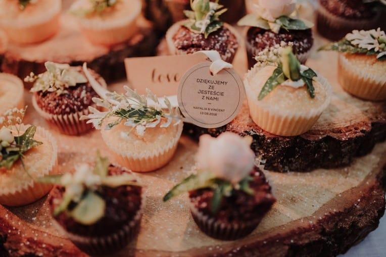 Dessertbuffet auf der Hochzeit